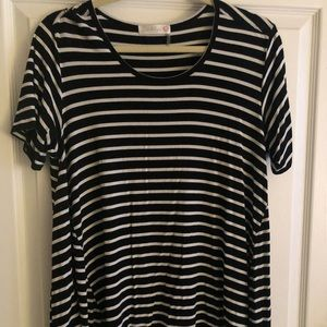 Tops - Black and white stripe casual top